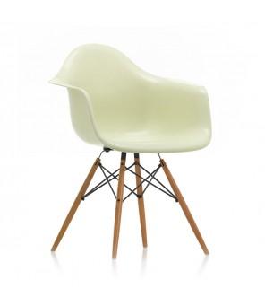 Vitra - Eames Fiberglass Armchair DAW - Charles & Ray Emes, 1950